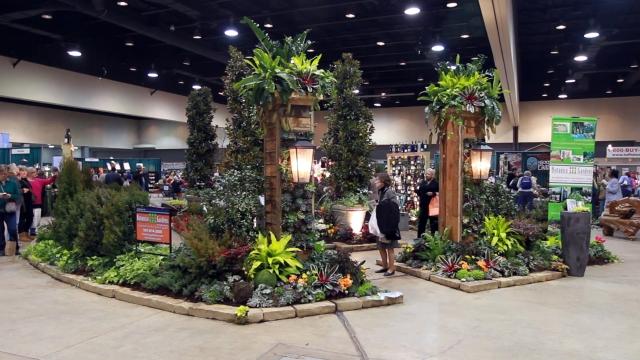 2013_Arkansas_Flower_and_Garden_Show_58_36